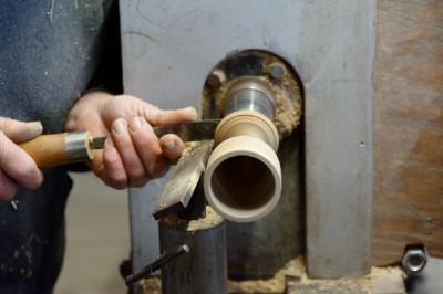 Paul vous présentera ce qu'il sait faire à partir d'un morceau de bois, il a de l'or dans les mains et vous expliquera ses façons de faire.